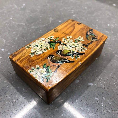 VINTAGE VICTORIAN HAND PAINTED STAMP BOX