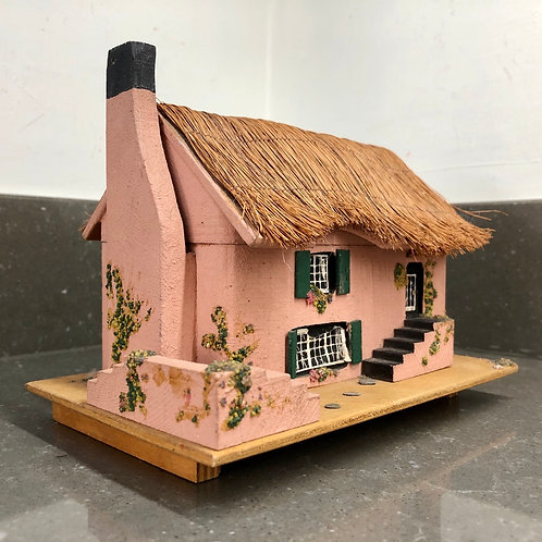 VINTAGE WOODEN FISHERMAN'S MUSICAL COTTAGE