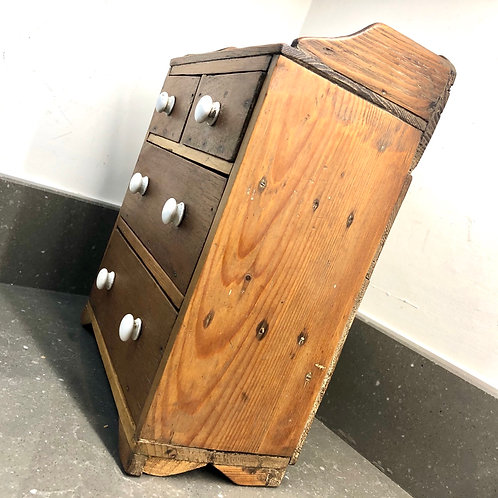 VINTAGE MINIATURE CHEST OF DRAWERS . APPRENTICE PIECE
