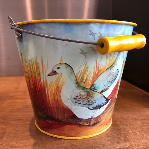 VINTAGE TINPLATE BUCKET WITH GEESE