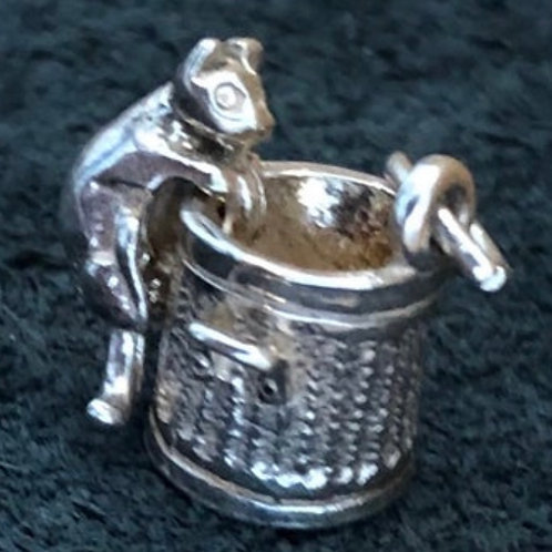 VINTAGE STERLING SILVER MOVING CAT AND DUSTBIN CHARM