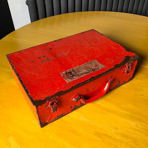 VINTAGE RED BT ENGINEERS METAL TOOL CASE