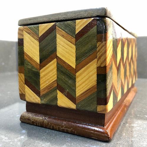 VINTAGE MARQUETRY WOODEN TRINKET BOX