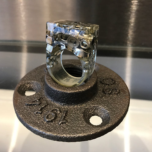 STATEMENT COSTUME RING. UK size P