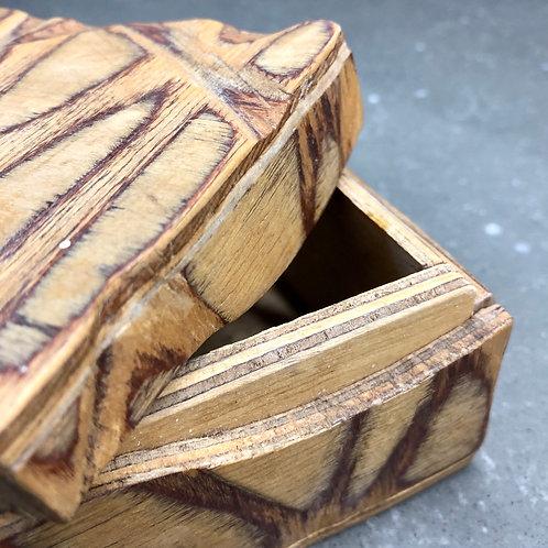 VINTAGE HANDMADE PLYWOOD GIFT BOX