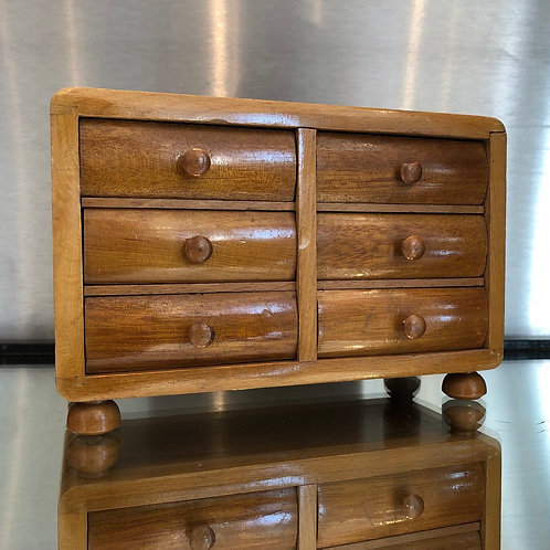 VINTAGE MINIATURE APPRENTICE PIECE CHEST OF DRAWERS