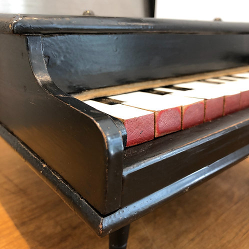 VINTAGE MINI TOY WOODEN GRAND PIANO