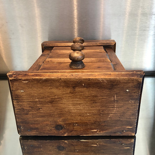 SMALL WOODEN THREE DRAWER CHEST