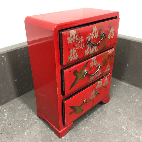 VINTAGE JAPANESE LACQUERED JEWELLERY CHEST