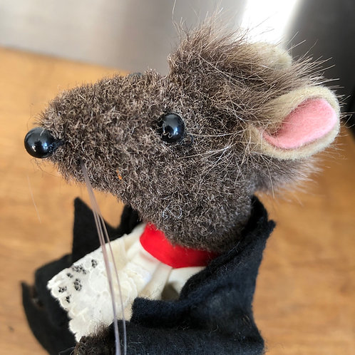 VINTAGE HANDMADE PIPE CLEANER RAT