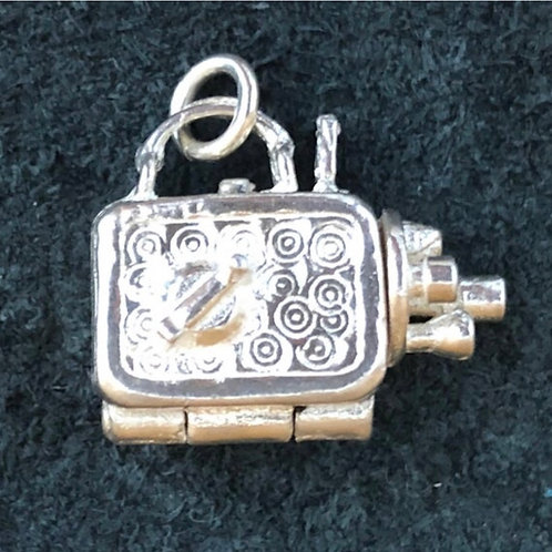 VINTAGE STERLING SILVER CINE CAMERA OPENING CHARM