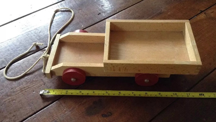 RETRO VINTAGE WOODEN PULL-A-LONG TRAILER TROLLEY