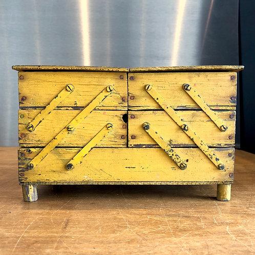 VINTAGE HANDMADE WOODEN CANTILEVER BOX