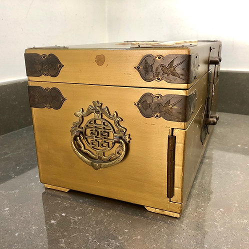 LARGE VINTAGE CHINESE JEWELLERY CABINET