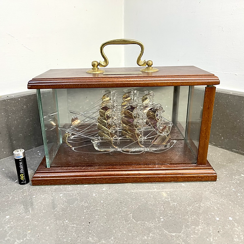 GLASS HMS VICTORY SHIP IN GLASS DISPLAY CASE