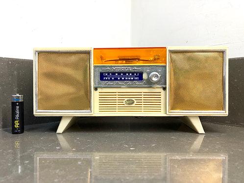 VINTAGE KITSCH MUSIC BOX. SHAPED LIKE A HIFI