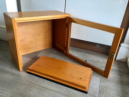 VINTAGE WOODEN TAXIDERMY CABINET WITH LIFT OFF TOP