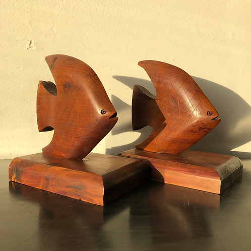 VINTAGE MIDCENTURY WOODEN FISH SHAPED BOOKENDS