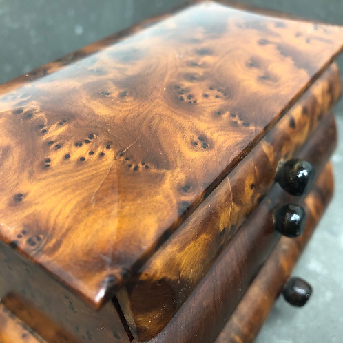 VINTAGE WOODEN MINIATURE CHEST OF DRAWERS