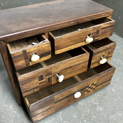 VINTAGE MINIATURE WOODEN CHEST OF DRAWERS