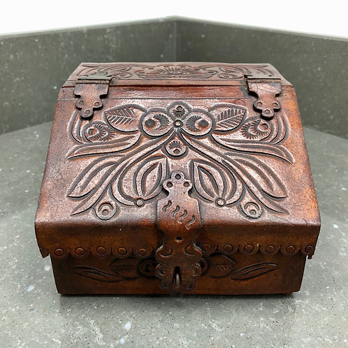 VINTAGE TOOLED LEATHER JEWELLERY BOX