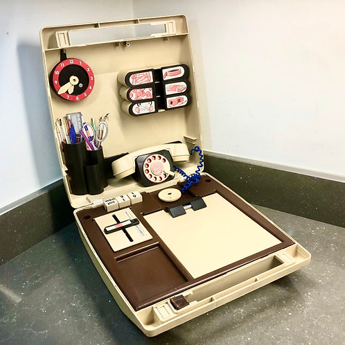 VINTAGE PORTABLE TOY PLAY OFFICE IN CARRY CASE