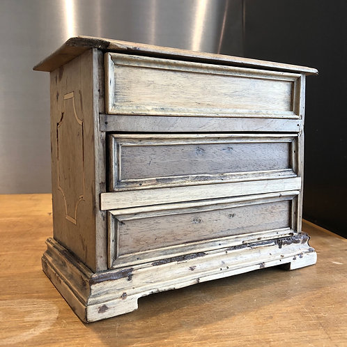 VINTAGE MINIATURE WOODEN DRAWERS