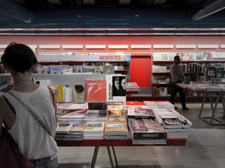 En passant à la librairie de Beaubourg...