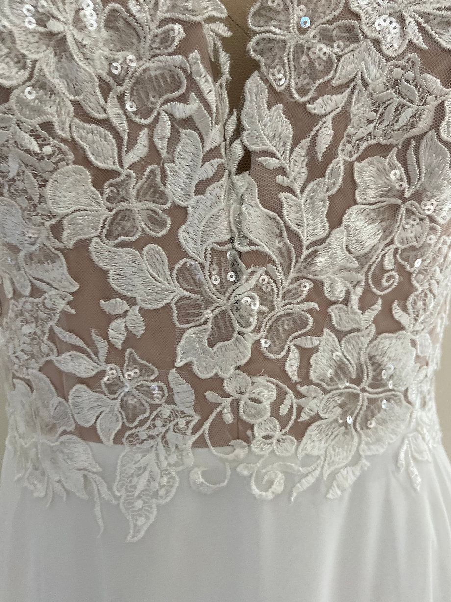 Tracy Lace Detail