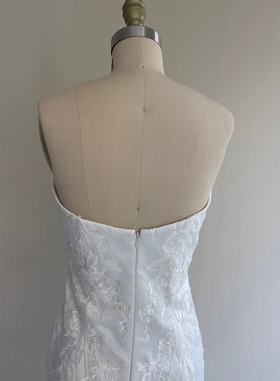 Maree Back Detail