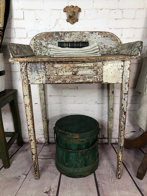 Lave-mains art populaire/ Folkart washstand