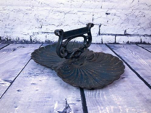 Gratte-botte en fonte// Cast iron boot scraper