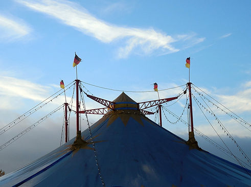 tent-1802520_1920.jpg