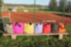 Tennsiväskor i olika färger och storlekar