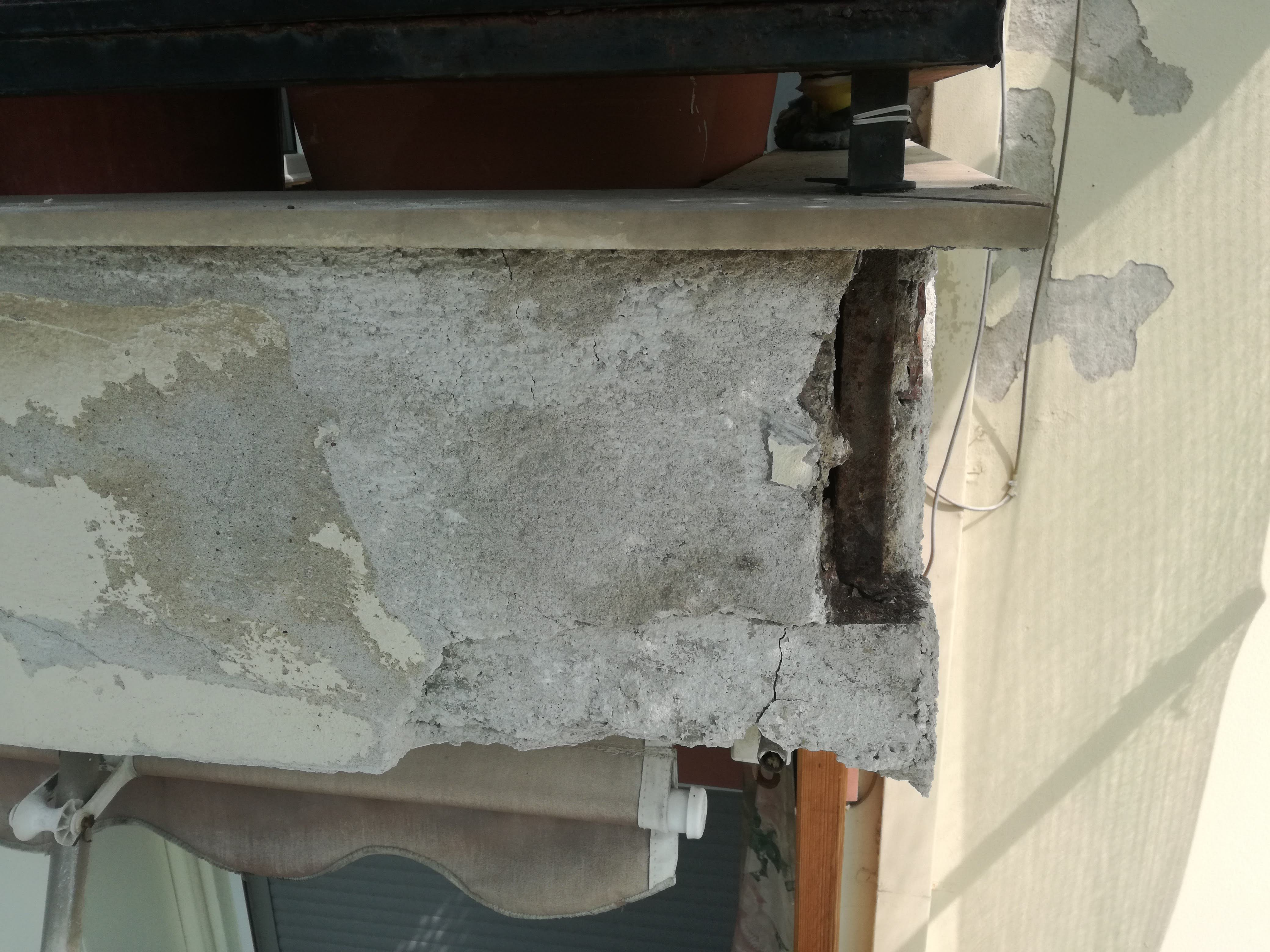 Επισκευή Στηθαίων Πολυκατοικίας