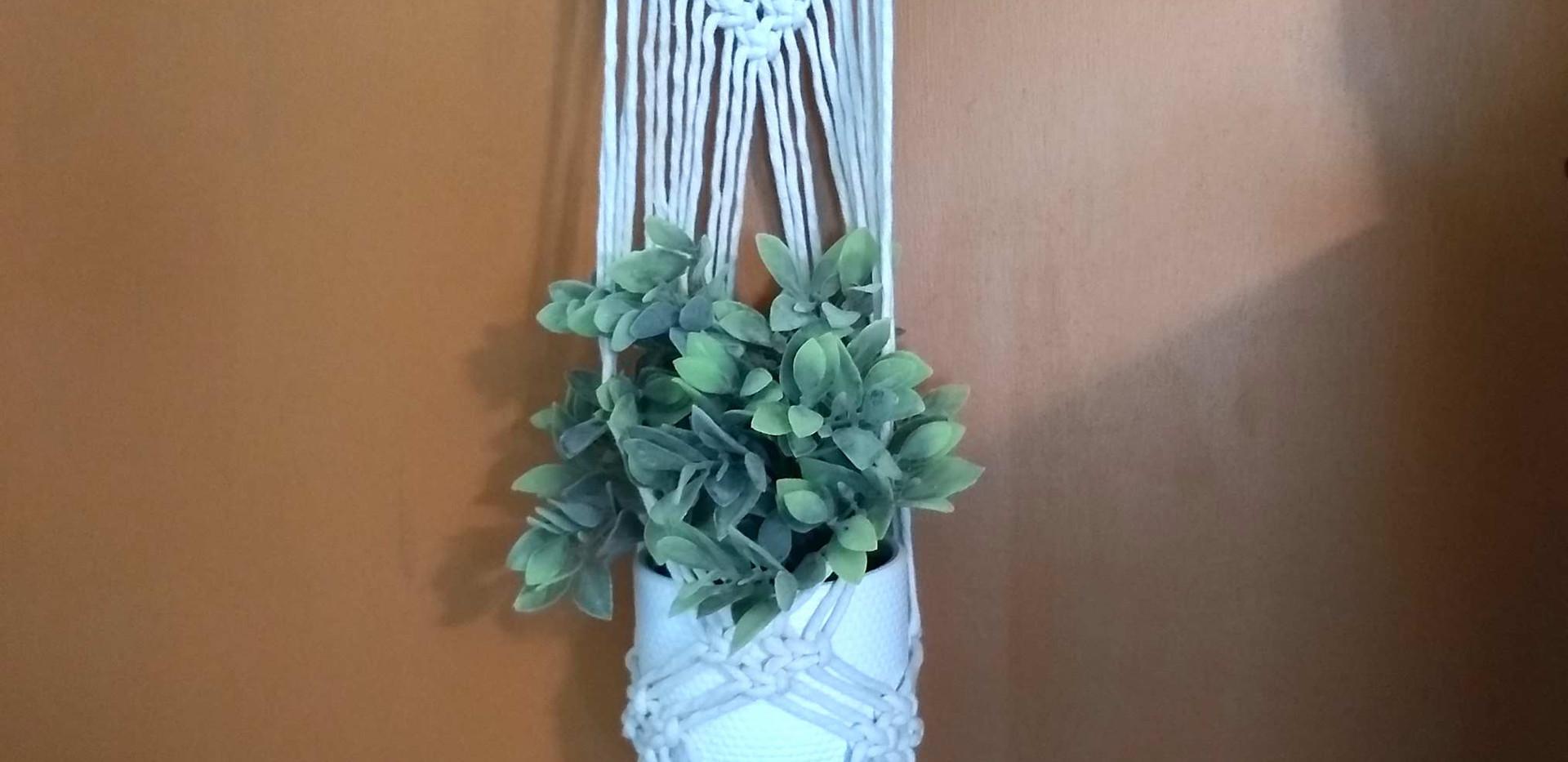 white diamond plant hanger
