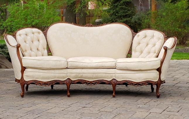 Amorette Sofa