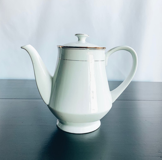 White with Gold Detail Tea Pot 2.jpg
