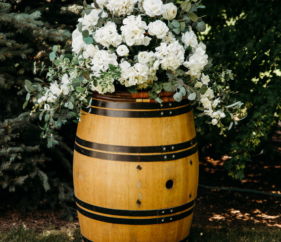 Black Ring Wine Barrel with Topper