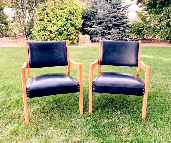 Black Chairs_edited_edited.jpg
