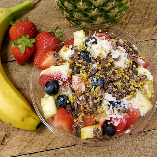 Come try our mouth-watering Coconut Açaí Bowl! It's one of our #popular choices! ._._._