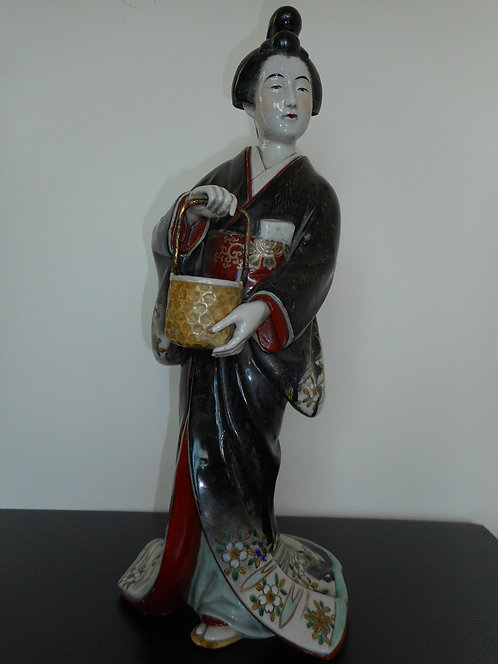 Large Porcelain Kutani Bijin figurine