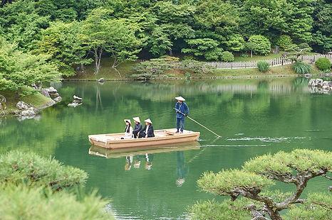 優和木装株式会社 オーダー家具 栗林公園木造船