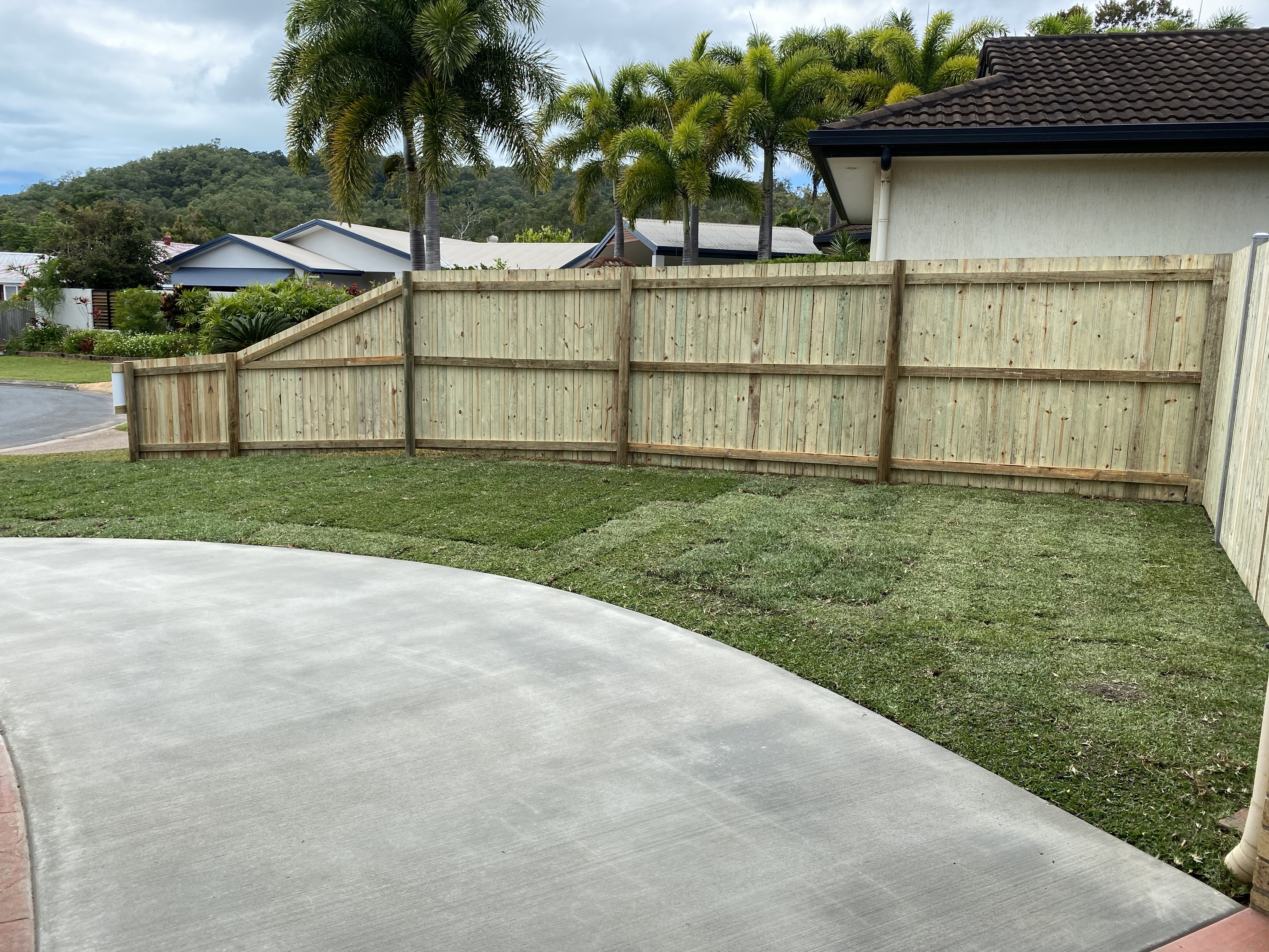 fence & turf