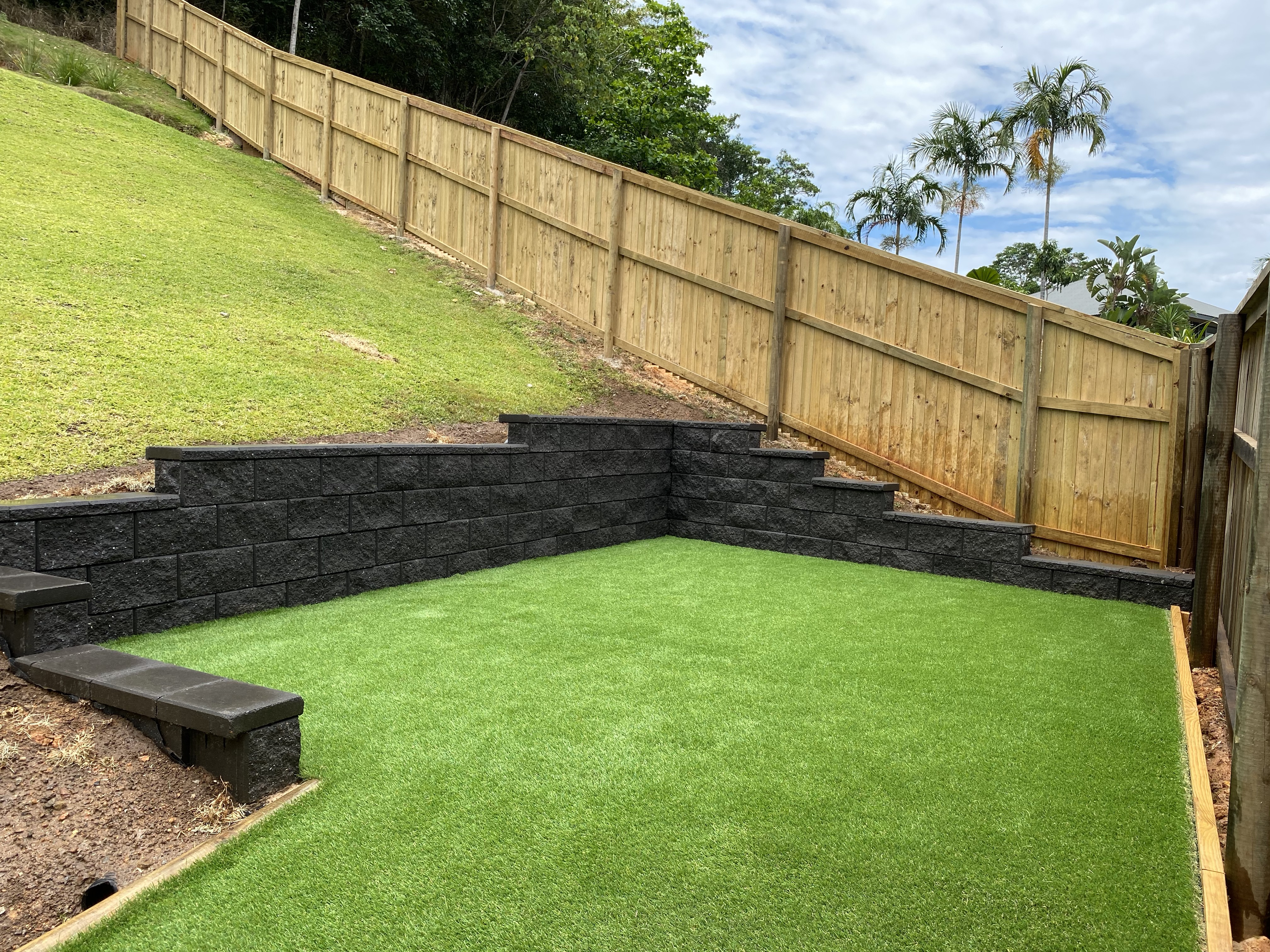 synthetic turf and retaining wall
