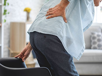 4612-Old_man_with_back_pain-732x549-thum