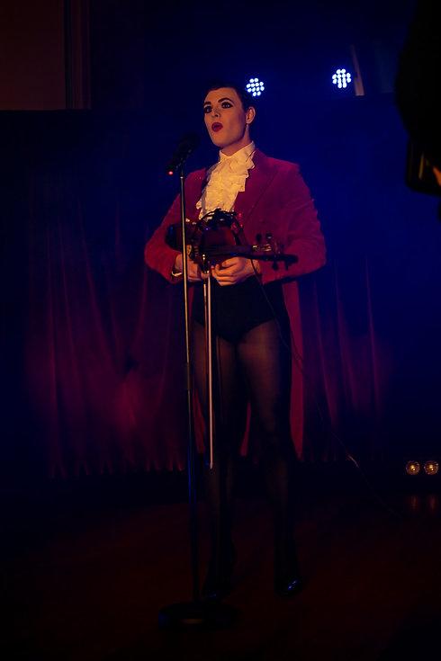 Red Mill Revue!_Vivian Fonteyn_Chris Mar