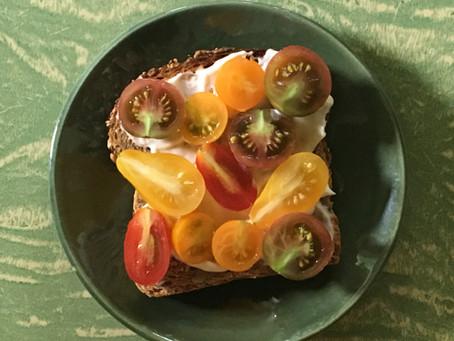 tomato sandwich season