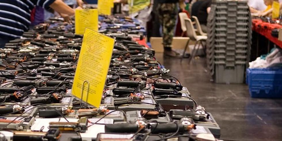 Libertarians at Crossroads of the West Gun Show