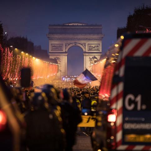 Gilets Jaunes on Champs-Elysées
